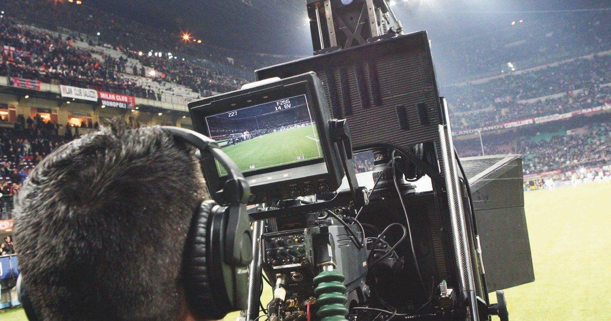 Sky e calcio: così finisce un'epoca tra debutto nella telefonia e tagli