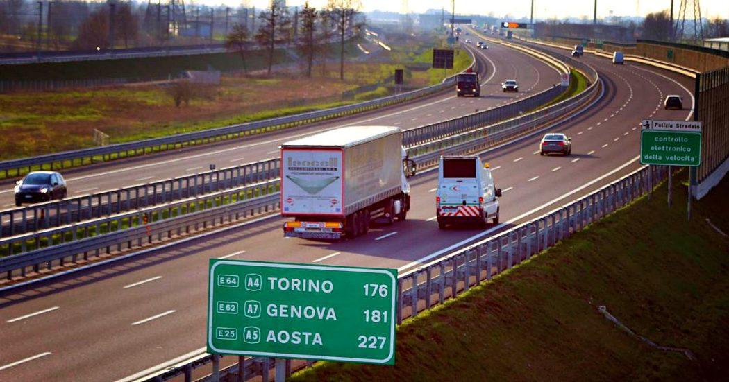 """Autostrade, M5s: """"Giustizia sia fatta. Ora via la concessione"""". Ministero: """"Dossier a Conte, no ultimatum da Atlantia"""". L'azienda replica: """"Non è un ricatto, vogliamo risposte"""""""