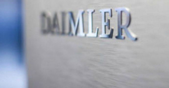 Dieselgate, Daimler patteggia 1,5 miliardi di dollari negli Usa. Il conto della casa tedesca per aver aggirato limiti alle emissioni