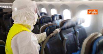 Fase 2, la sanificazione degli aerei all'aeroporto di Fiumicino: ecco come funziona. Le immagini