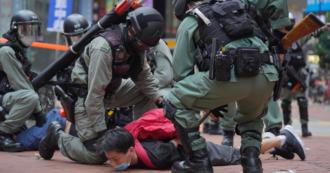 Hong Kong, scontri tra manifestanti e polizia: in parlamento discussa legge a tutela dell'inno nazionale cinese. Arrestati 180 attivisti