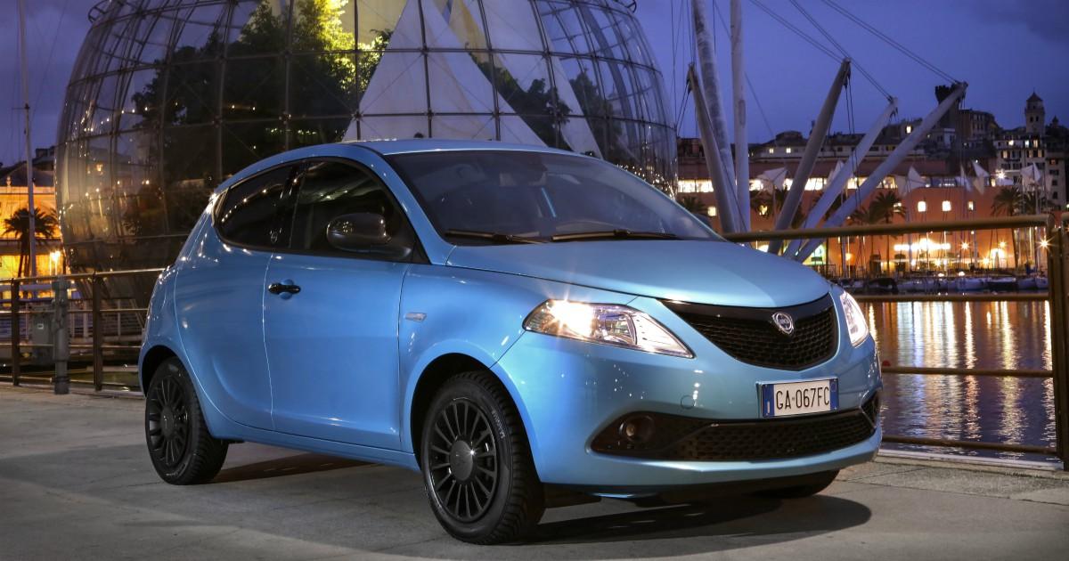 Lancia Ypsilon Hybrid Ecochic, stilosa e ora anche ibrida – FOTO
