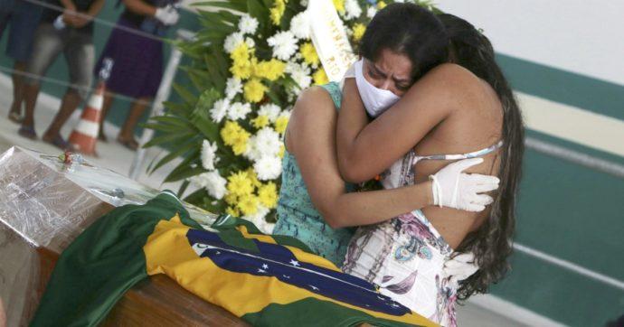 """Coronavirus, in Amazzonia centinaia di indigeni morti per Covid-19: """"Mancanza di ossigeno tra i problemi maggiori"""""""