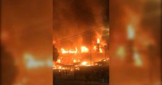 Minneapolis, proteste per la morte di George Floyd: la città è in fiamme. Bruciano Walmart e una stazione di polizia, le immagini