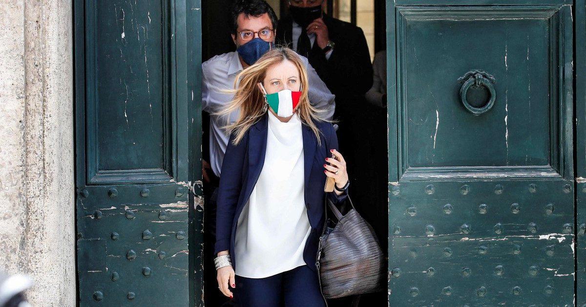 Meloni s'è fatta moderata: freccia a destra su Salvini