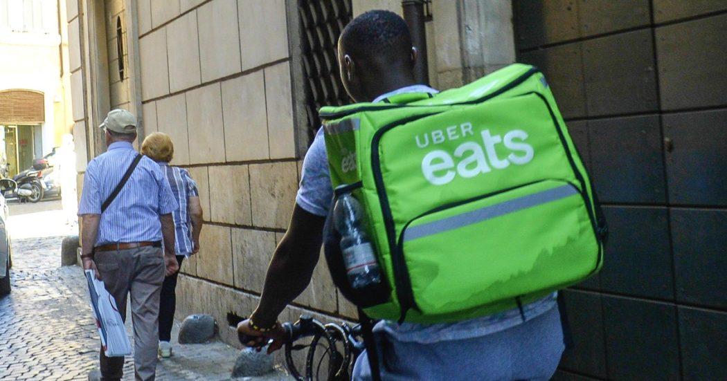 """Rider e caporalato, nelle chat lo schiavismo digitale sui fattorini Uber: """"Se puzza fuori dai coglioni"""". Fattorini costretti a implorare la paga"""
