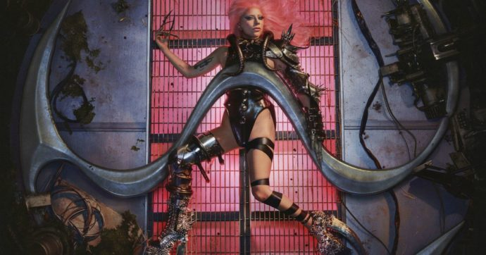"""Lady Gaga, esce il nuovo album """"Chromatica"""": """"So che ho problemi mentali ma sto guarendo"""". Dieci cose che (forse) non sapete sulla popstar"""