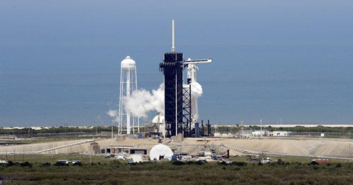 Crew Dragon di Space X, lanciata la navicella da Cape Canaveral: Usa riportano americani in orbita