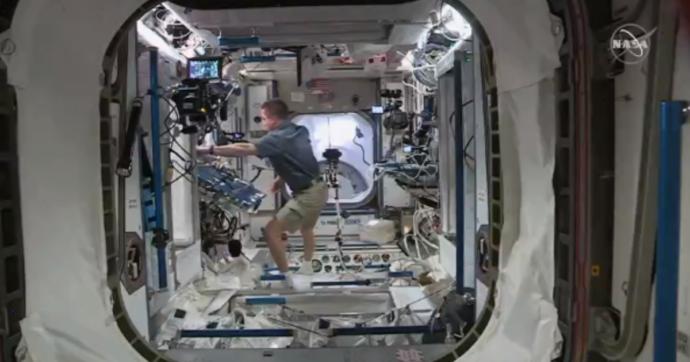 Crew Dragon, il razzo di Elon Musk ha agganciato la Stazione Spaziale Internazionale