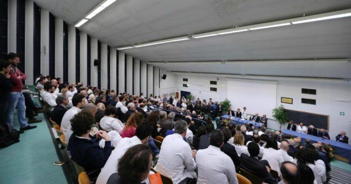 """Milano, l'Università Bicocca regala internet agli studenti: """"Potranno connettersi ovunque per seguire le lezioni"""""""