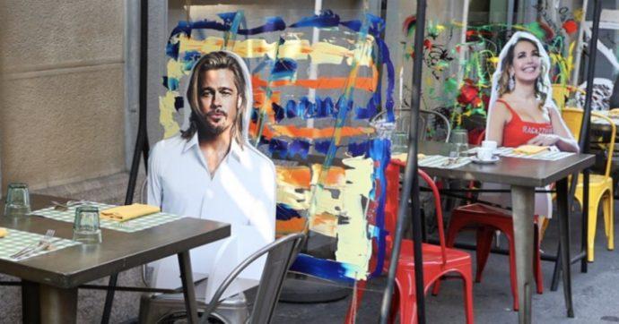 A cena con le sagome: da Brad a Pitt a Barbara D'Urso ecco cosa si sono inventati a Milano