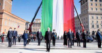 """2 giugno, Mattarella all'Altare della Patria: """"Difficoltà mai sperimentate nella nostra storia. Crisi non è terminata, servono unità e coesione"""". Poi visita Codogno: """"Da qui riparte l'Italia del coraggio e della solidarietà"""""""