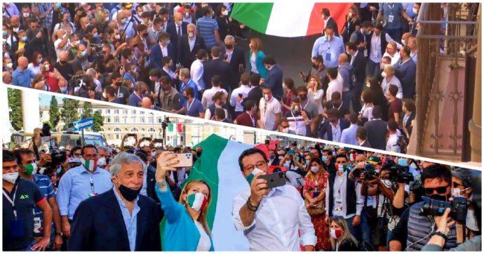 2 giugno, folla e assembramenti: a Roma la manifestazione del centrodestra diventa un corteo senza regole – LE FOTO