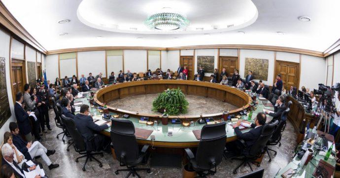 Giustizia, la commissione della Camera adotta la legge Bonafede come testo base per la riforma del Csm: ecco che cosa prevede