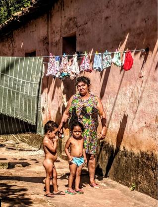 Brasile, col virus le favelas e gli indios rischiano grosso.