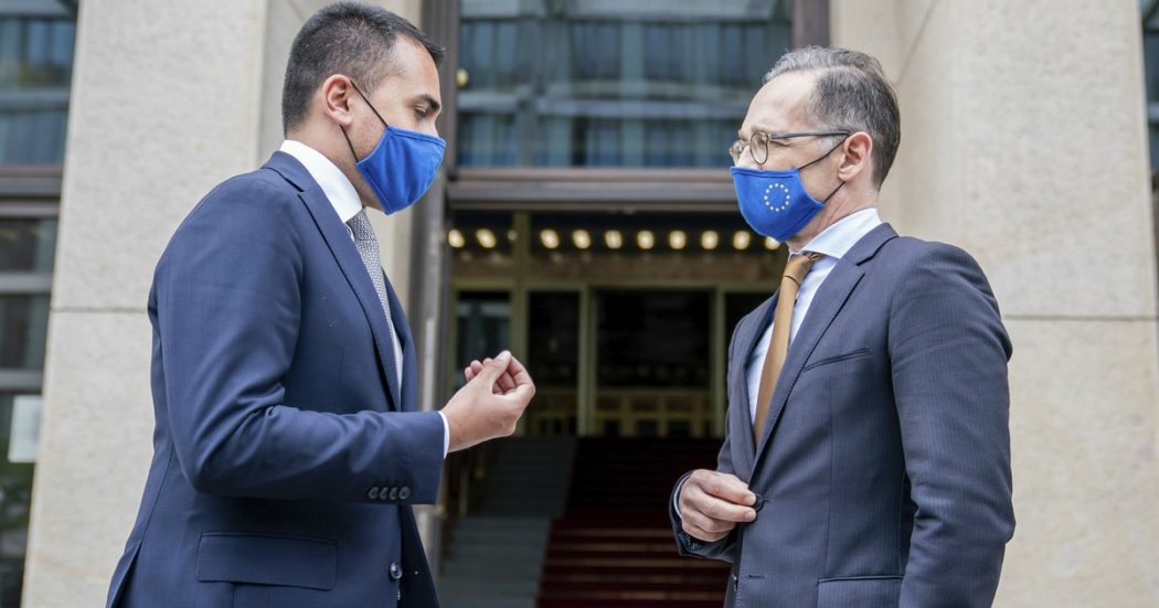 """Coronavirus, Di Maio: """"Germania riapre il 15 giugno anche all'Italia"""". Frontiere esterne Ue chiuse fino a fine mese"""