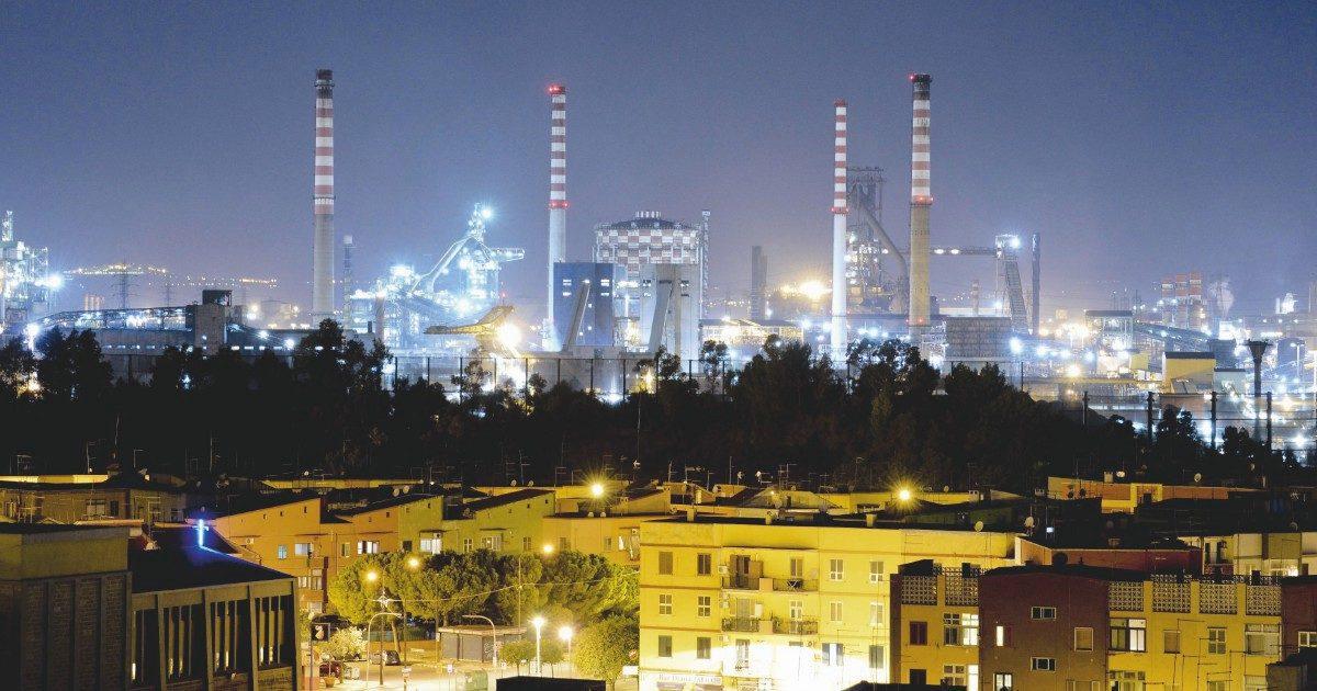 Ex Ilva, il nuovo piano di Arcelor: tra prospettive di mercato, soldi pubblici e 5mila esuberi