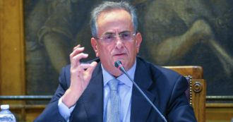 """Carlo Maria Capristo, """"sotto la ruota di scorta dell'auto del procuratore di Taranto trovati atti di indagine sull'avvocato Piero Amara"""""""