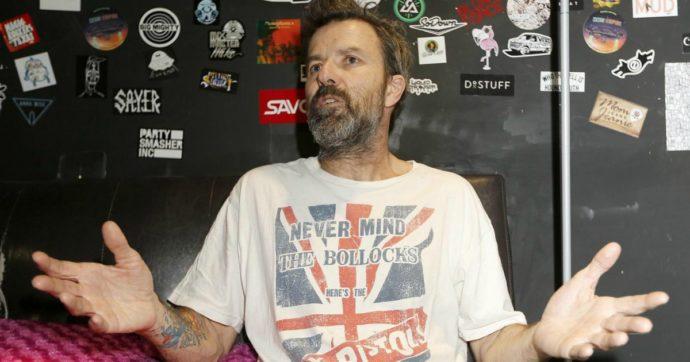 Morto Pau Donés, il cantante degli Jarabedepalo è scomparso dopo una lunga battaglia contro il cancro: aveva 53 anni