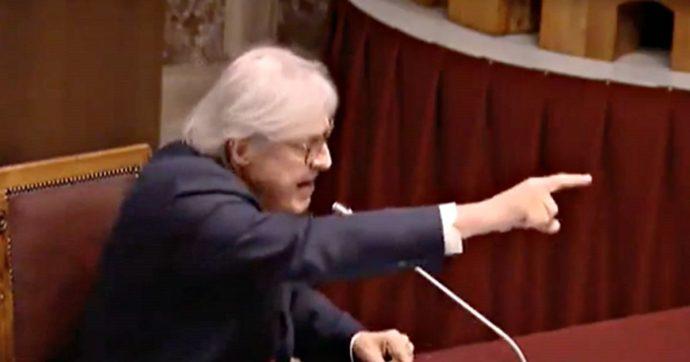 """Quarta Repubblica, Vittorio Sgarbi difende Sergio Sylvestre: """"Vorrei che solo gli stranieri cantassero il nostro inno"""""""