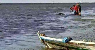 """Migranti, la rotta tunisina ha un nuovo punto di partenza. """"Da Sidi Mansour mille africani pronti per le barche dirette a Lampedusa"""""""