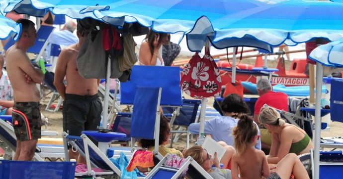 Decreto Agosto, dal 2021 il canone minimo concessioni balneari sale a 2500 euro. L'anno