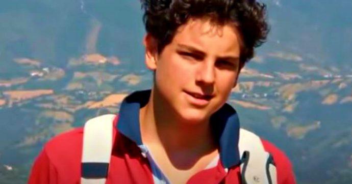 """Carlo Acutis beato, chi era il giovane morto a 15 anni di leucemia che la Chiesa si prepara a proclamare """"patrono di Internet"""""""
