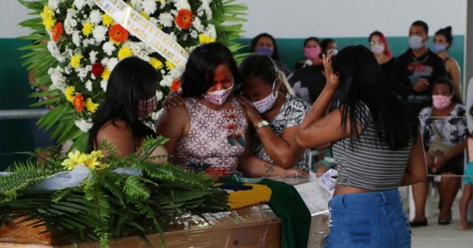 Coronavirus, morto Paiakan: il capo indigeno simbolo della difesa dell'Amazzonia. Guidò la lotta contro l'enorme diga di Belo Monte