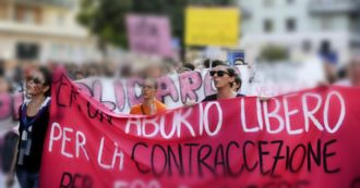 Umbria, donne in piazza dopo lo stop all'aborto farmacologico in day-hospital. Italia indietro e differenze tra Regioni: perché il caso di Perugia può cambiare le sorti dell'interruzione di gravidanza
