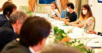 """I Fridays for Future agli Stati generali: """"Cara politica, ora agisci"""". Faccia a faccia tra il premier Conte e la 14enne Lavinia. """"Via alla transizione ecologica per rialzarci dalla crisi e far ripartire il Pil"""""""