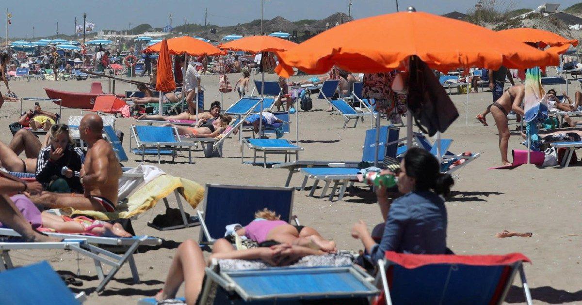 """Dal 1° luglio c'è  il bonus vacanze: misura a forte rischio """"flop"""""""