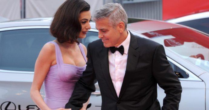 """Esplosione Beirut, George Clooney e Amal donano 100mila dollari: """"Siamo preoccupati"""""""