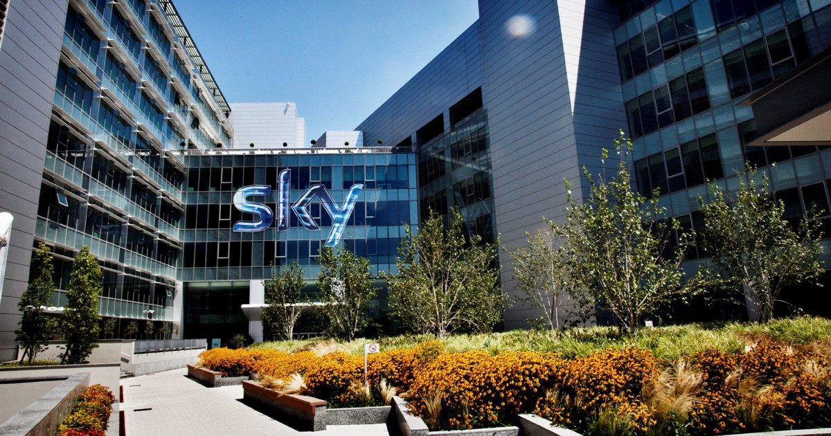 Diritti tv: è finita l'era Sky, il pallone sarà on demand