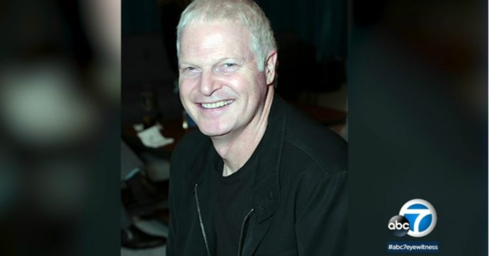 """Morto Steve Bing, ex compagno di Liz Hurley: """"Si è lanciato dal 27esimo piano di un grattacielo a Los Angeles"""""""