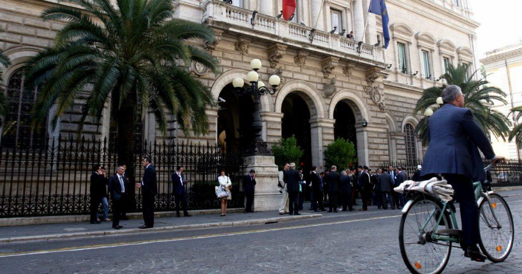 """Conti pubblici, Bankitalia: """"Preoccupa il debito ma nessun timore di richieste irragionevoli dalla Ue"""". Ufficio di bilancio: """"Un quarto degli ammortizzatori a imprese senza cali di fatturato"""""""