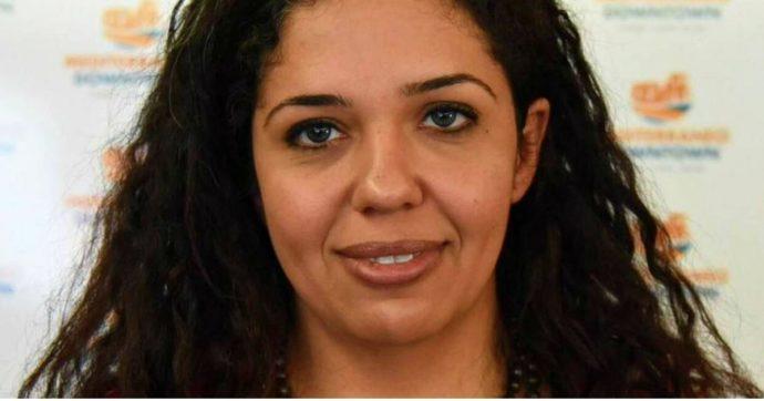 Egitto, arrestata la giornalista Nora Younis: è la direttrice del sito al-Manassa. Rilasciata dopo più di un giorno, ma multata