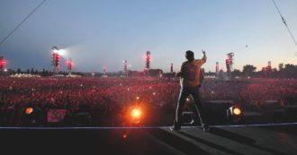 """Vasco Rossi: """"La pandemia fermerà i miei concerti ma non ferma la mia musica"""", ecco le nuove date dei Live (e location) del 2022"""