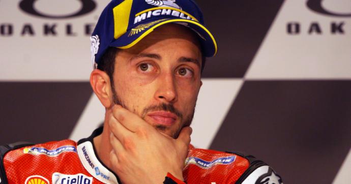 MotoGp, cade durante una gara di motocross: frattura della clavicola per il pilota della Ducati Andrea Dovizioso