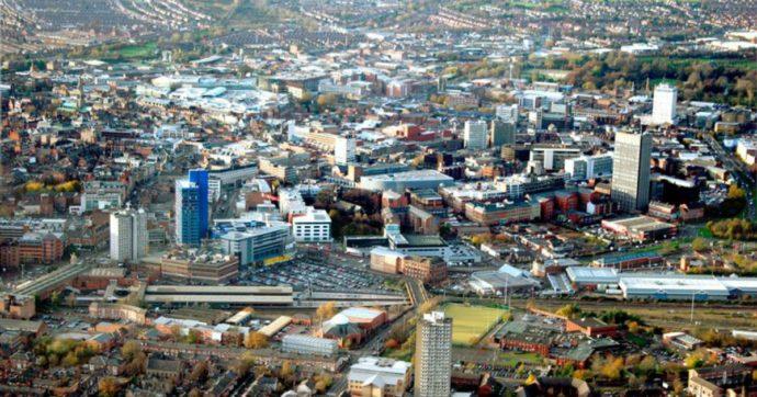 """Gran Bretagna, la città di Leicester rischia il lockdown: """"658 nuovi casi in due settimane"""""""