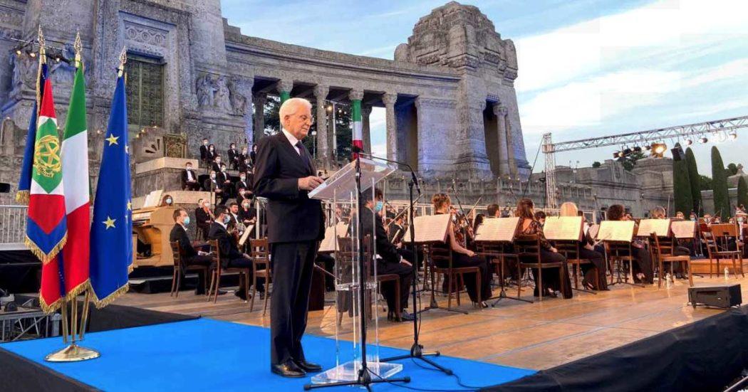 """Coronavirus, il presidente Sergio Mattarella alla commemorazione per le vittime di Bergamo: """"Riflettere seriamente sugli errori da evitare di ripetere. Qui l'Italia che ha sofferto e che è stata ferita"""""""