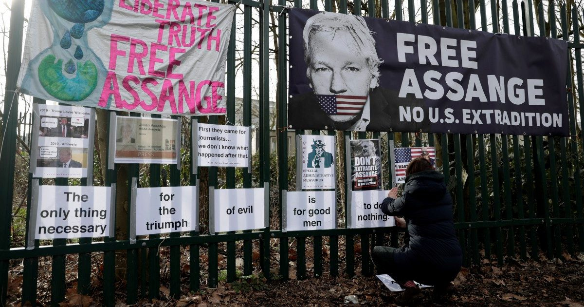 Assange non fa più notizia e gli Usa ne approfittano