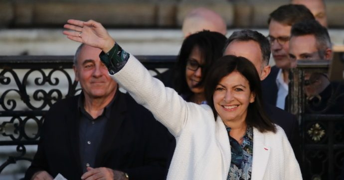 Francia, Anne Hidalgo riconquista Parigi. Vittorie dei Verdi in diverse città, ma è astensione record alle amministrative