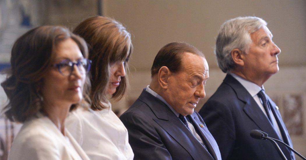 """Berlusconi, tutta Forza Italia torna a urlare contro il """"golpe giudiziario"""". Pure Salvini e Meloni si accodano: """"Uso politico della giustizia"""""""