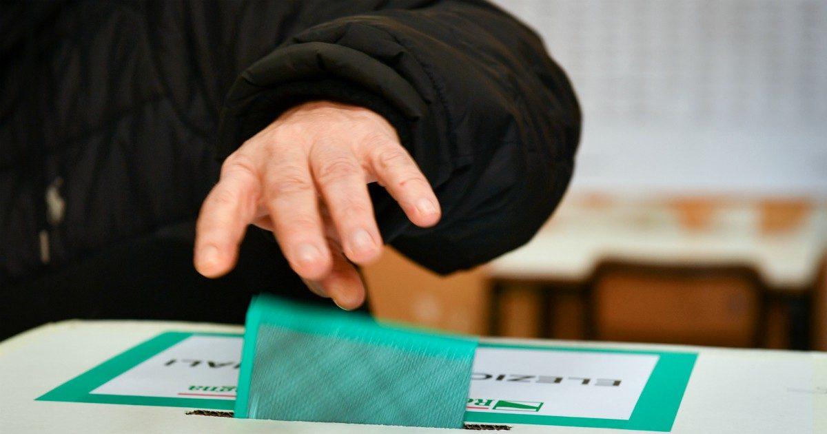 Regioni al voto, tra furbizie e leggi non rispettate: la politica non è roba da donne