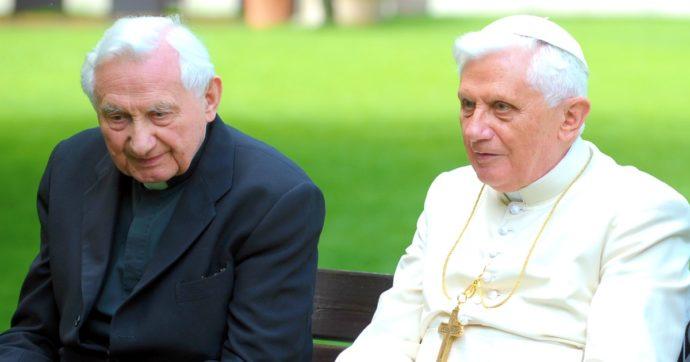 Georg Ratzinger, morto il fratello di Benedetto XVI: dal sacerdozio insieme all'ultima visita, monsignore e Papa emerito erano inseparabili