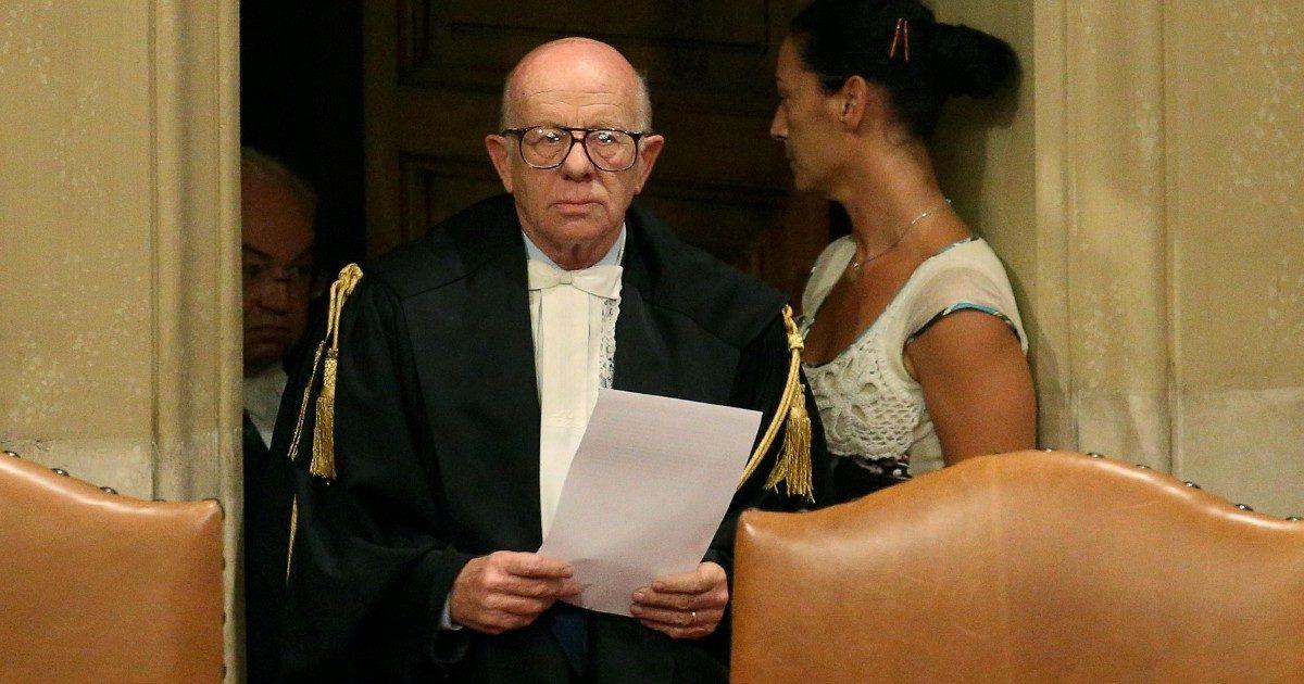 """Berlusconi e la sentenza definitiva per frode. Il giudice Esposito: """"Non sanno di cosa parlano. E il collega controfirmò tutto"""""""