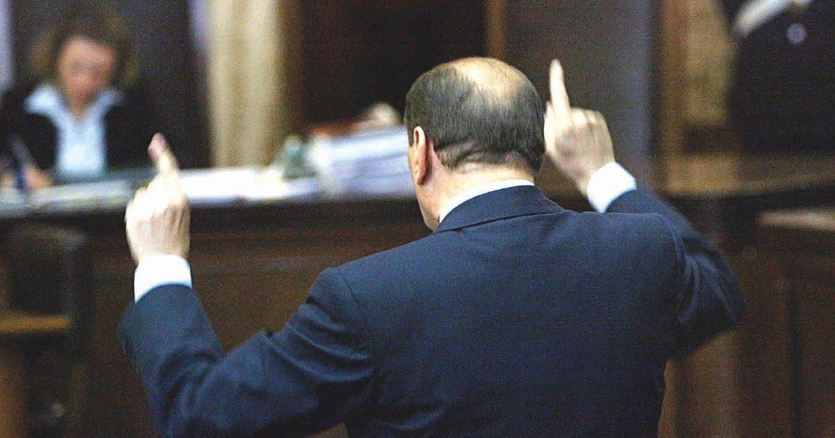 Napoli, la Procura indaga sui testimoni a favore di B.