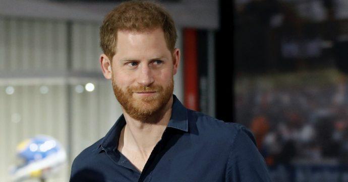 """Quello che sta per fare il principe Harry farà arrabbiare la Regina? (Intanto lui ha """"20 milioni di dollari di anticipo"""")"""