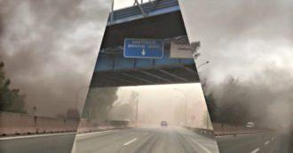 Una tromba d'aria alza le polveri dell'ex Ilva: tempesta di carbone sul quartiere Tamburi di Taranto. Le immagini riprese da un'auto