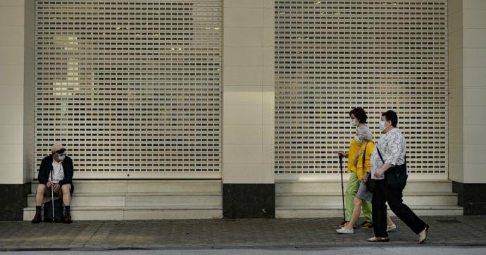 """Spagna, nuovo lockdown in Galizia per 70mila persone: """"Focolaio Covid legato ad alcuni bar"""""""